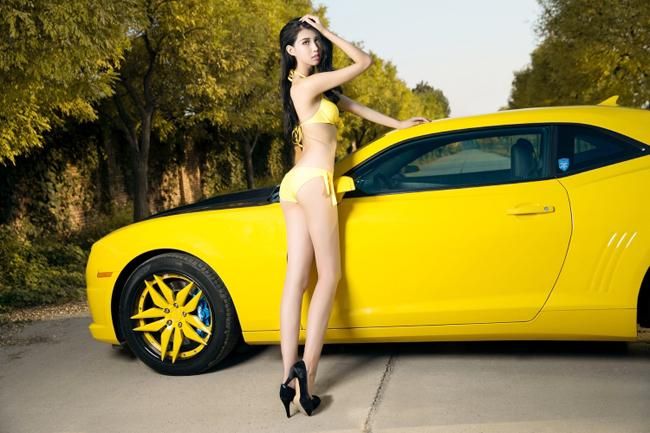 bikini-with-camaro-7